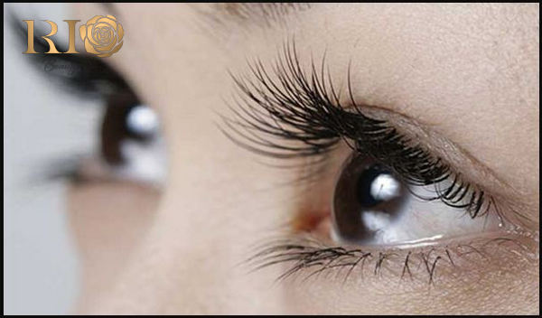 """Bí quyết cực """"xịn"""" giúp nuôi dưỡng mi mắt dài tự nhiên"""